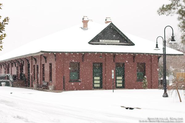 whitevillesnow2011_01